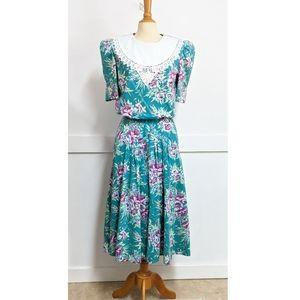 Vintage 1980s Lace Collar Floral Dress size 8